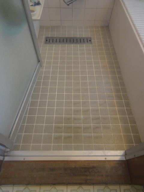 浴室床 「バスナリアルデザイン」施工